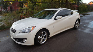 2011 Hyundai Genesis Coupe 3.8 Coupe (2 door)