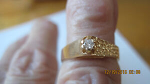 Ladies solitaire diamond ring 14k yellow gold size 5 1/2