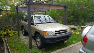 For Sale - 1999 Nissan Pathfinder SE 4wd
