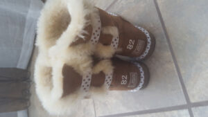 Boots UGG size 7 / 7.5 from Australia