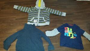 chandail, t-shirt, pantalon, jupe pyjama 2 ans