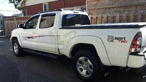 2012 Toyota Tacoma Pro trail team Pickup Truck