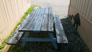 Picnick Bench - needs to be painted $15
