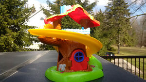 Weebles Musical Tree house and Carousel Kitchener / Waterloo Kitchener Area image 3
