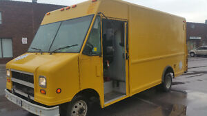 2003 Ford E-350 Step Van for sale with brand new tires all round
