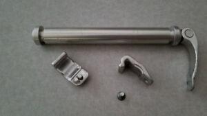 Marzocchi 20mm QR Axle, 2 Bottom Brackets, 2 Hex Screws