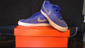 NEW PRICE!!!  Men's NIKE court shoes