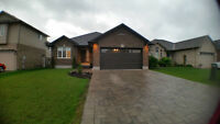 4 YR OLD BUNGALOW IN STRATHROY'S NORTH END. LOADED WITH EXTRAS