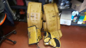 Intermediate boys goalie gear