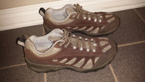 Merrell Tioga Woman's hiking shoes - size 10