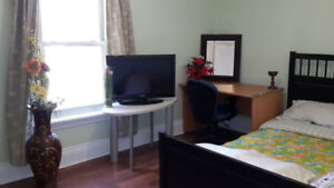 furnished room for rent 5 minutes from  LINEMAR AND  UOG .