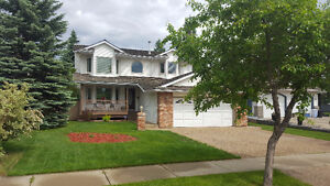 Perfectly Upgraded 6 Bedroom Home In Erin Ridge