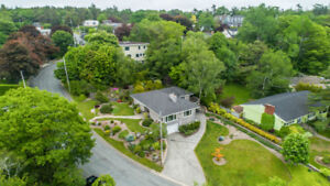 Stunning Luxury home in Southend Halifax! Gorgeous water views!
