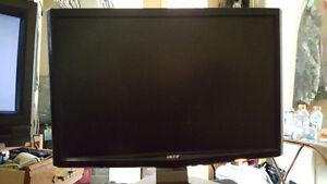 Acer LCD Monitor For Sale!