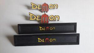 Emblèmes d'ailes et de portes de Dodge Demon 1972
