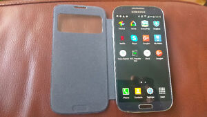 GALAXY S4,BLACK.LIKE NEW.2 BATTERIES,2 SAMSUNG CASES.
