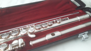 Yamaha Flute - used still in GREAT CONDITION