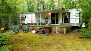 FOR SALE: 40' Breckenridge w. two tip outs, A/C, full deck incl.