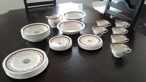 Set de vaisselle - Swinnertons Majestic Vellum Warranted 22kt