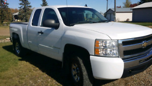 NEW PRICE!!! 2009 CHEV EXT CAB 4X4
