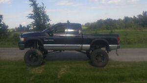 2005 Dodge 2500 lifted