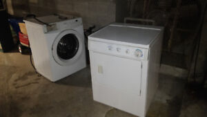 Washer and dryer Frigidaire stackable