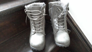 Ankle Boots Size 7 woman