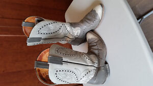 Men's leather cowboy boots