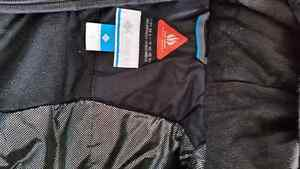 Black Columbia winter jacket size 8 (s) London Ontario image 2