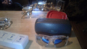 New oakley fuel cell glasses with case(authentic) no scraches St. John's Newfoundland image 2