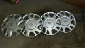 "Set of 4 Toyota 15"" Hub Caps"
