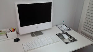 """For sale - 20"""" iMac G5 with iSight camera *No power issues here!"""