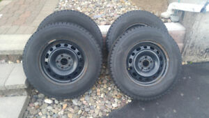 Dunlop Winter Maxx SJ8 snow tires and rims - 235/70R16