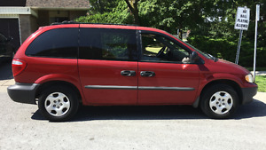 2002 Dodge Caravan SE Minivan (Red)