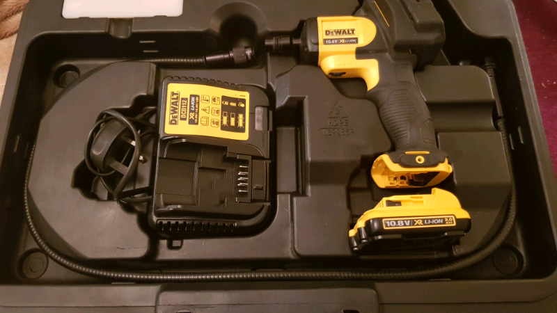 DEWALT DCT412S1 12-Volt Li-Ion 5.8mm Inspection Camera
