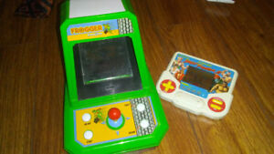 Mini frogger arcade and street fighter game