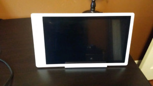 """GeChic 15"""" 1080p touch screen portable monitor."""