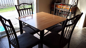 Kitchen Breakfast Table + 4 Chairs
