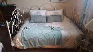 Antique Wought iron bed  North Shore Greater Vancouver Area image 3