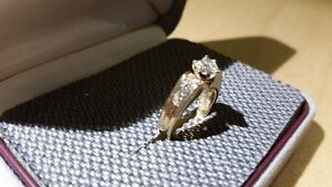 Ladies 14k gold engagement ring with heart shaped diamond