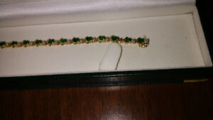 GENUINE EMERALD AND DIAMOND BRACELET