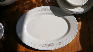Tabel charm dishes