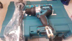 Makita hammer drill. Battery. Blower set