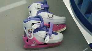 Girls skates adjustable size 13, 1, 2, 2.5