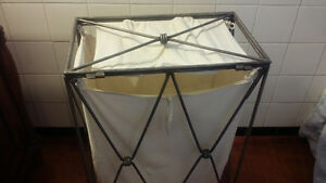 Beautiful Metal laundry basket .  Nice design Kingston Kingston Area image 4