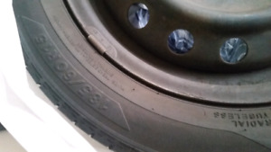 set of 4 15 rims 4 holes with tire