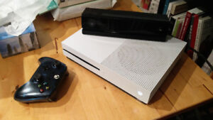 Xbox One S - 1TB + Kinect + Games