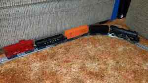 LIONEL TRAIN SET (O scale)