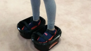MOON SHOES* (toy)