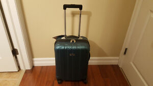 "Skyway Arcadia 19"" Spinner Carry-On Luggage - New with Tags"